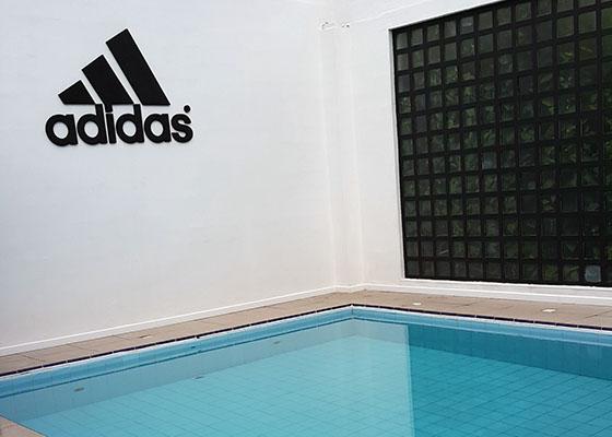 adidas+runbase+piscina
