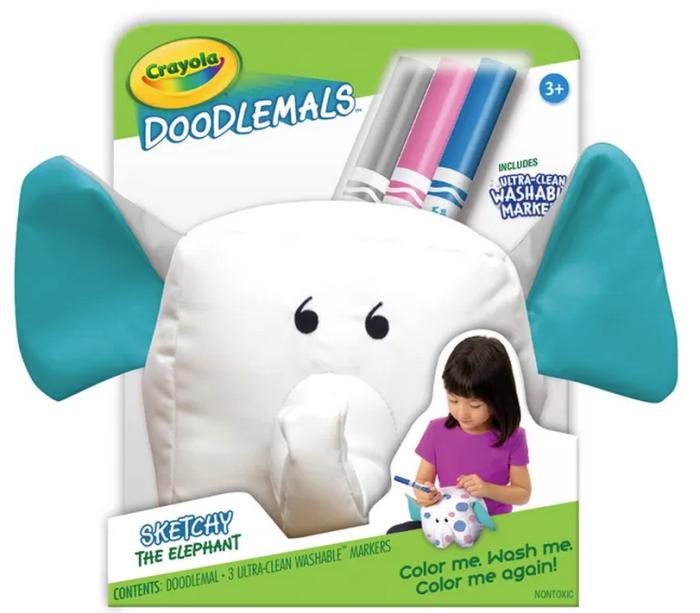 Esse elefante da Crayola é de tecido e vem todo branquinho, para a criança pintar como quiser. Acompanha três canetinhas laváveis. Basta colocar na máquina de lavar que ele fica branco de novo. Chega ao mercado em julho.