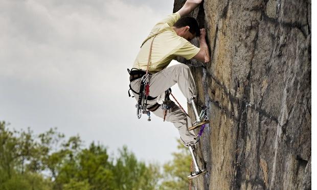 American-rock-climber-eng-007